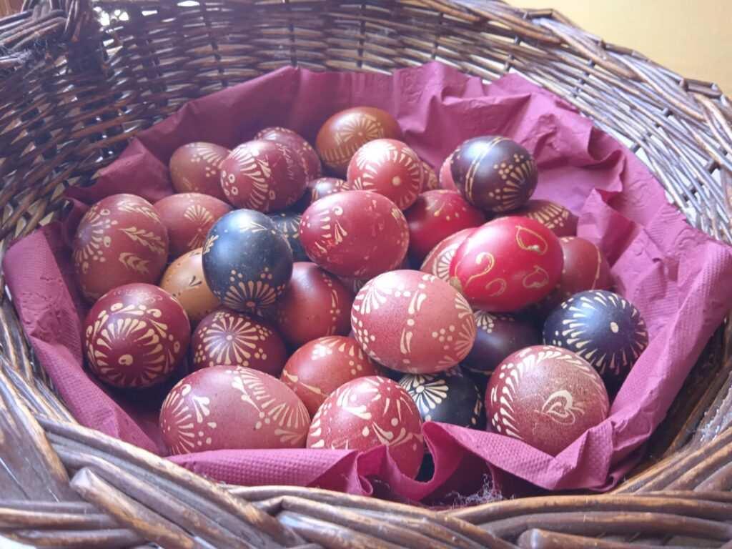 Malo o bojama i jajima