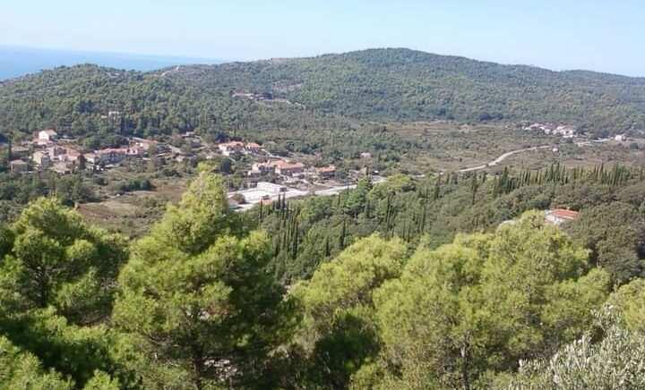 Selo Popovići u dvije države